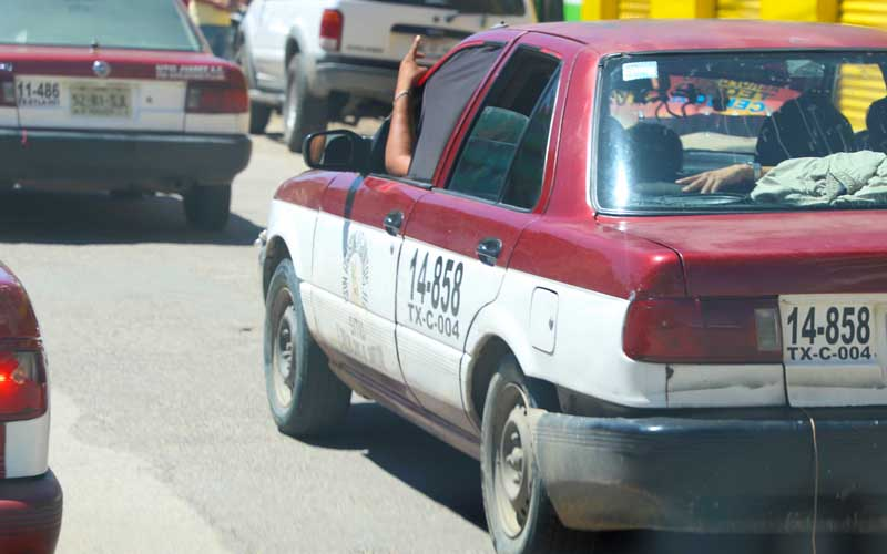 Cerca del 50% de taxis foráneos en Oaxaca son piratas | El Imparcial de Oaxaca