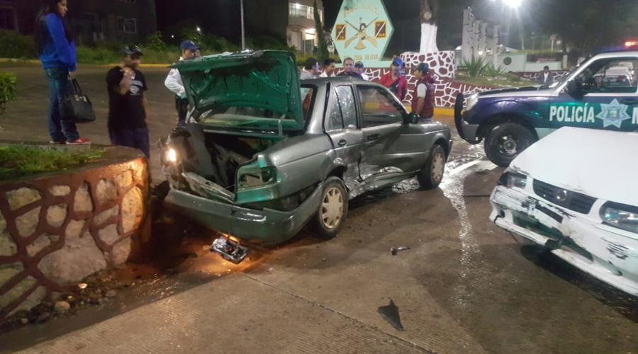 Daños y lesiones en accidente en la Mixteca