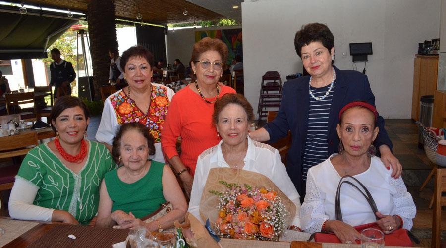 ¡Feliz cumple, Olga! | El Imparcial de Oaxaca