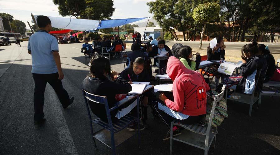 Marginación reprueba a estudiantes en Oaxaca