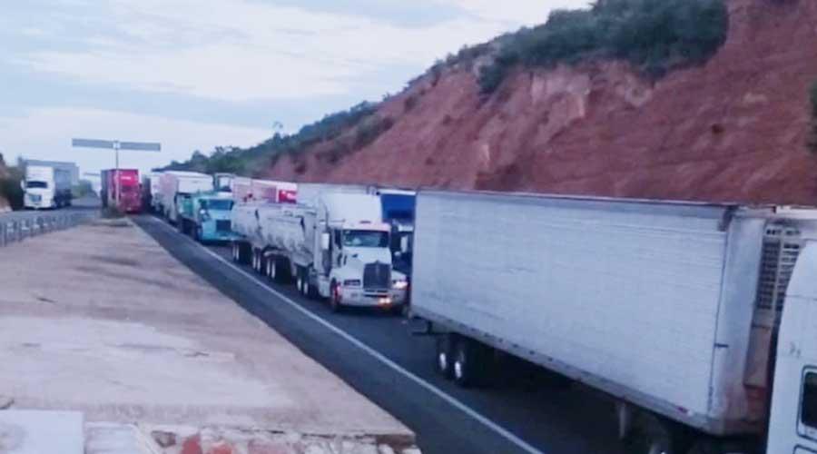 Piden transportistas de la Mixteca intervención de la Fiscalía Estatal