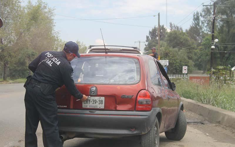 Policías de Oaxaca seguirán retirando placas pese a determinación de la corte | El Imparcial de Oaxaca