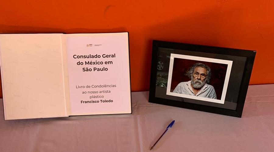 Libro de condolencias en memoria de Toledo en consulado de São Paulo | El Imparcial de Oaxaca