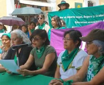 Grupos feministas dan conferencia sobre el tema del aborto en Oaxaca