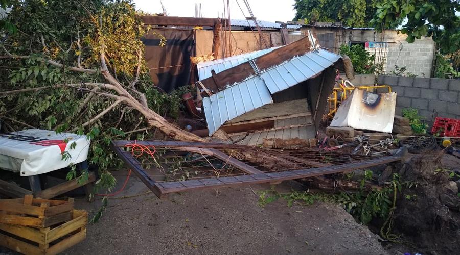 Turbonada deja severas afectaciones en Juchitán