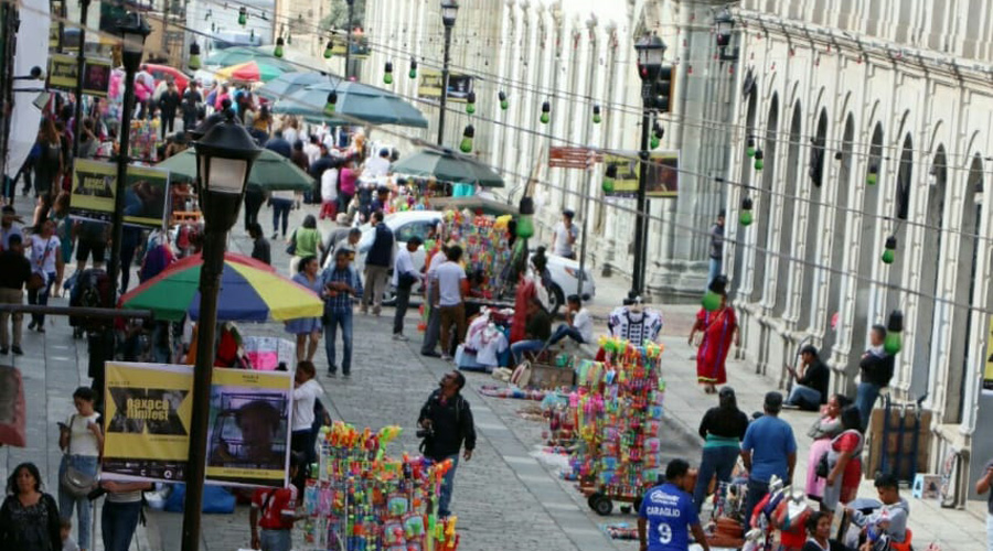 Ambulantes e impuestos, duro golpe a pequeños comercios en Oaxaca