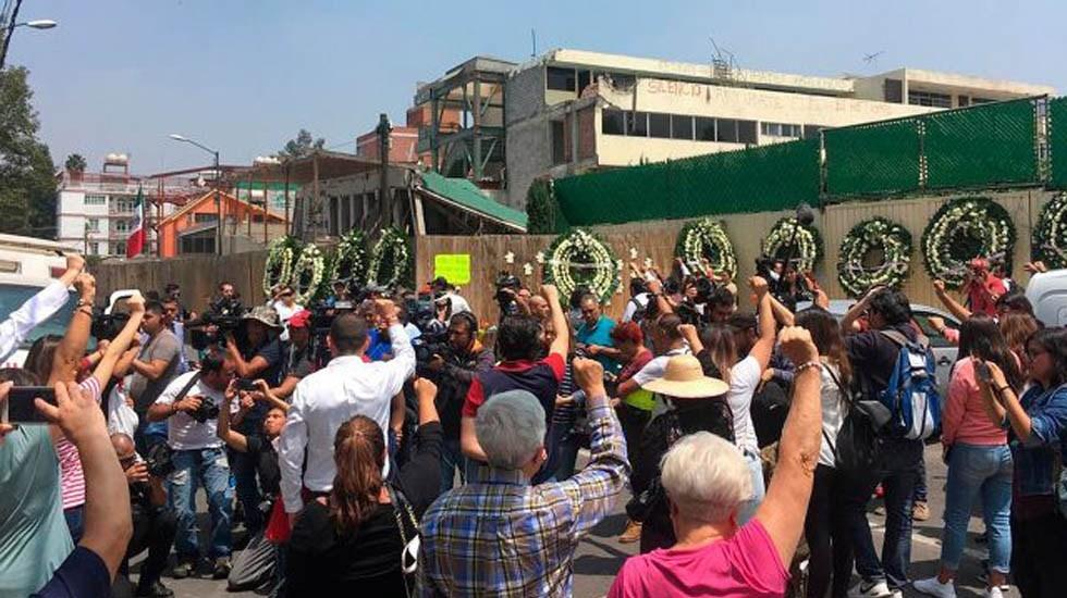 Esperaba que llevarán niños heridos, pero la mayoría estaban muertos: Vecina del Colegio Rébsamen | El Imparcial de Oaxaca