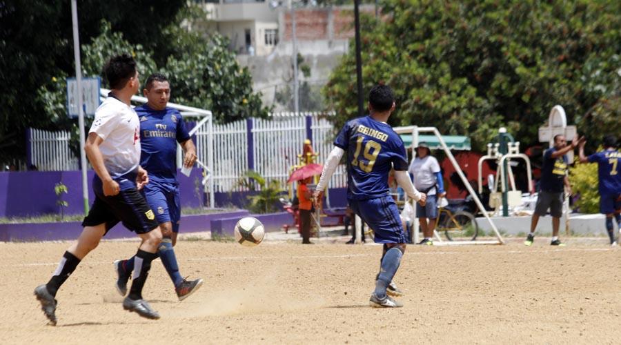 Se llevan Las Palmas en la jornada 8 del Torneo de Liga de Futbol de Veteranos Premier   El Imparcial de Oaxaca