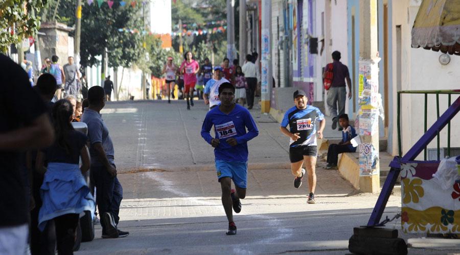 Carrera pedestre en Tlacochahuaya