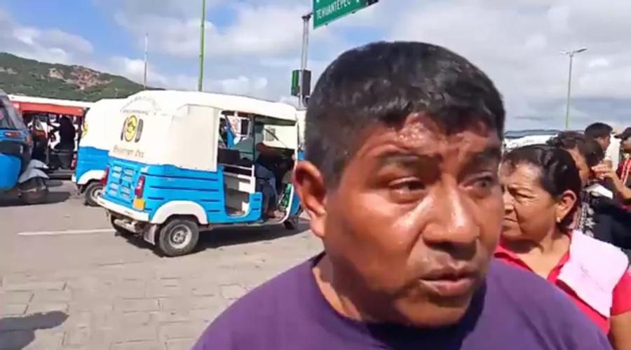 Mototaxistas de Tehuantepec piden audiencia con Semovi