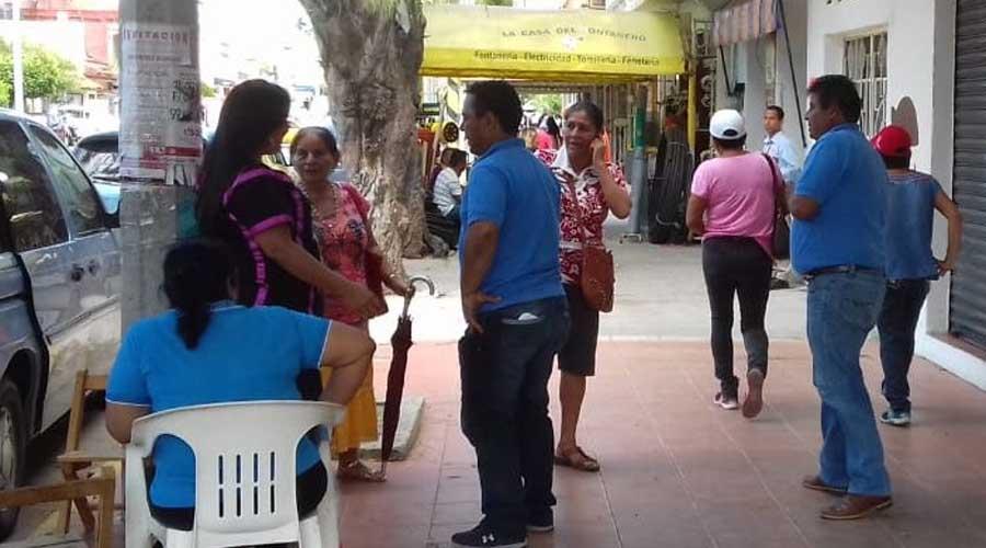 Se manifiestan trabajadores del Monte de Piedad en Salina Cruz   El Imparcial de Oaxaca
