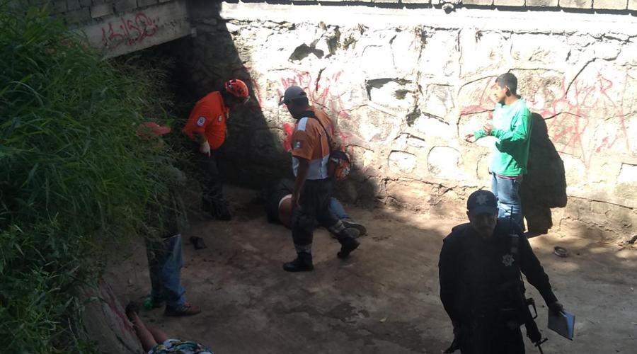 Borracho cae de un puente en Santa Lucía del Camino