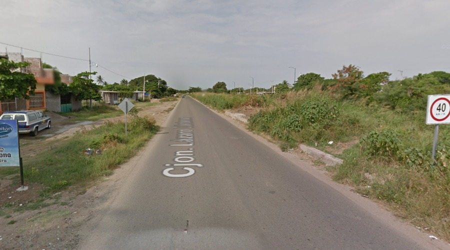 Travestis con armas largas asaltan a automovilistas en el Istmo | El Imparcial de Oaxaca