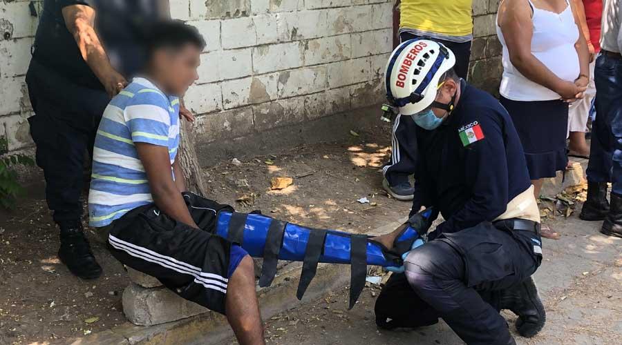 Motociclista se impacta contra un mototaxi en Juchitán