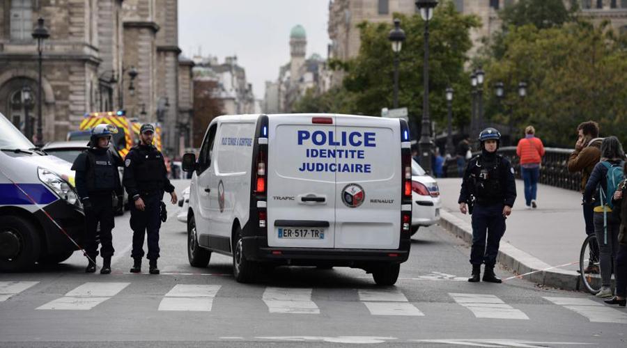 Hombre armado ataca a policías en París; mueren cuatro | El Imparcial de Oaxaca