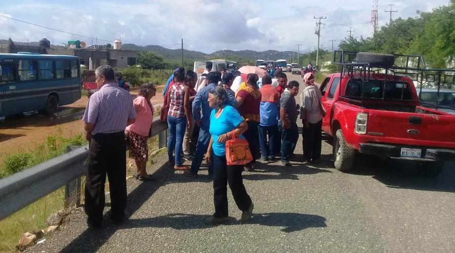 Acarreo masivo en Salina Cruz, por el proceso interno de Morena
