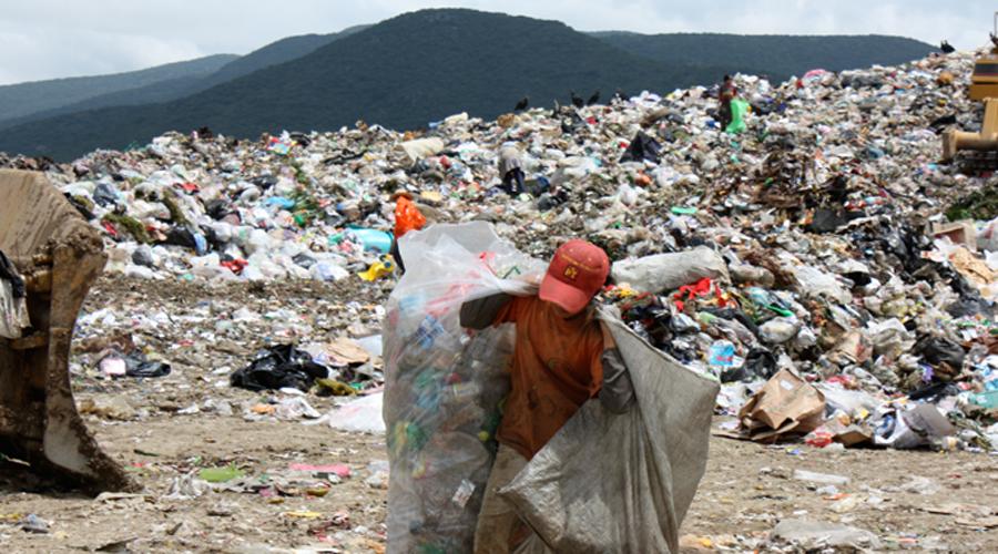 Continúa la contaminación; Ni el Congreso de Oaxaca respeta la ley anti plásticos