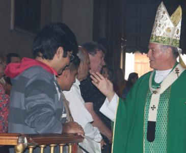 Pide arzobispo de Oaxaca dejar la arrogancia y menosprecio