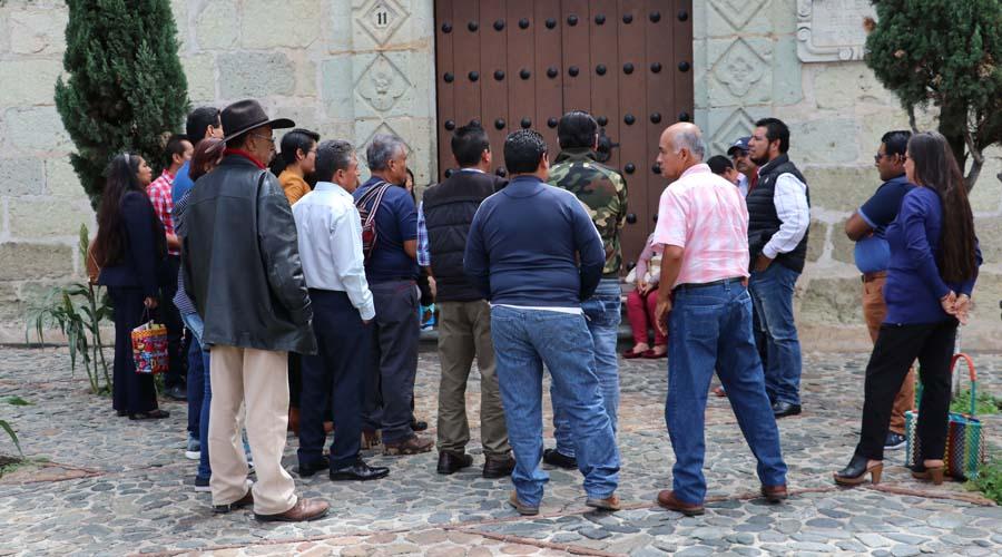 Trabajadores paran labores en la Casa de la Cultura Oaxaqueña