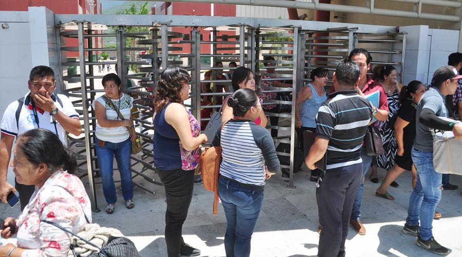 Aprueban licencia de paternidad por 10 días a burócratas de Oaxaca | El Imparcial de Oaxaca