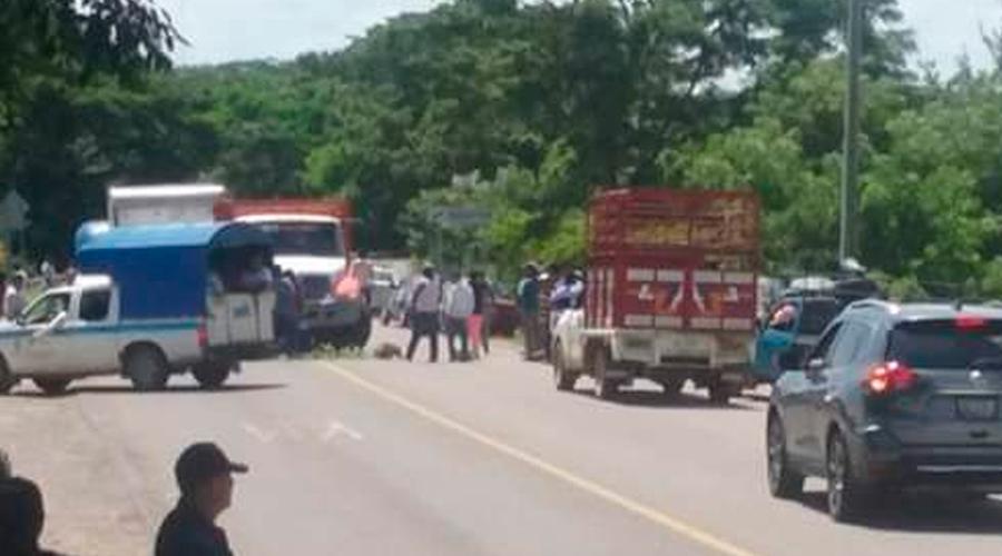 Bloquean carretera en Guichicovi