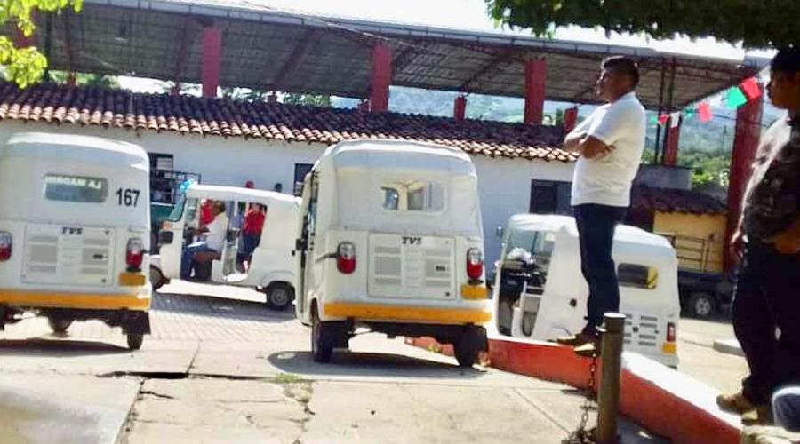 Continúa conflicto entre moto taxis y  transportistas en la costa de Oaxaca