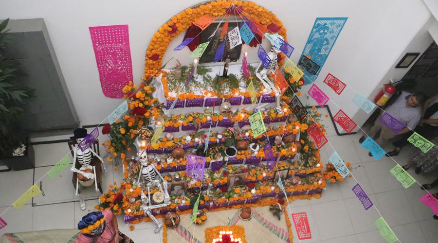 Misticismo, altares y tradición en El Imparcial