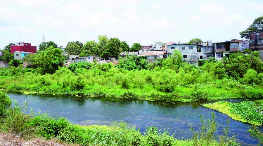 Evalúan proyecto de regeneración  del río Los Perros en Juchitán