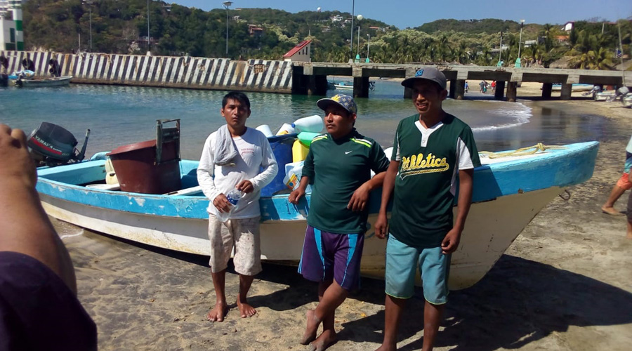 Rescatan a pescadores extraviados