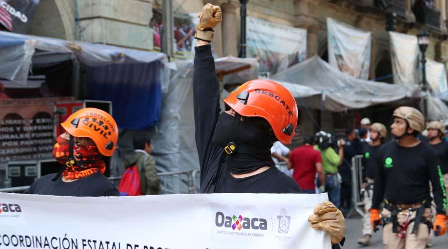País justo y en paz, por Revolución
