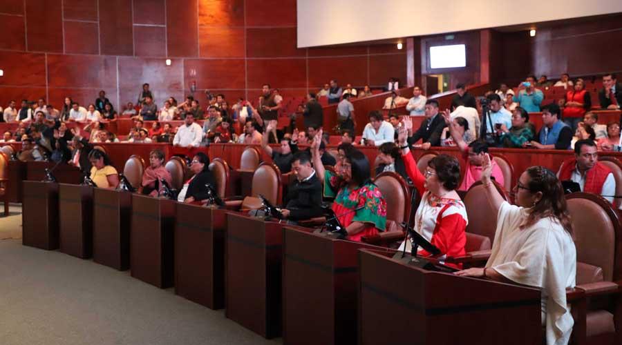 "Congreso Local de Oaxaca solo trabaja bajo ""amenaza"""