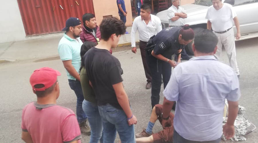 Ciudadano es arrollado por un Aveo en mercado de 5 Señores | El Imparcial de Oaxaca