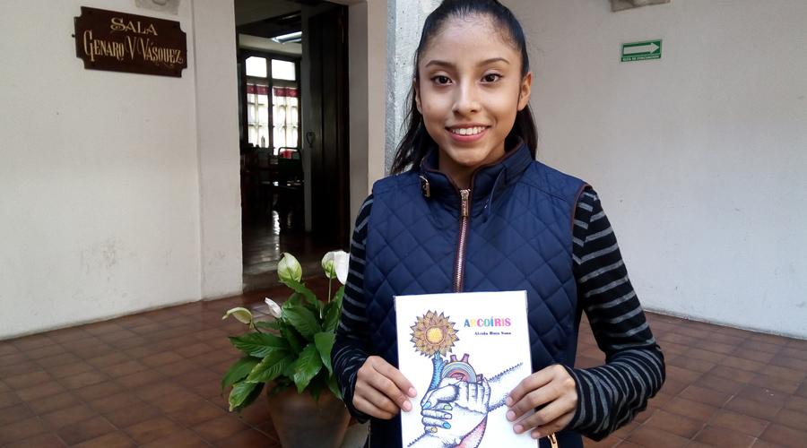 Aleida Ruiz Sosa publica su primer libro | El Imparcial de Oaxaca