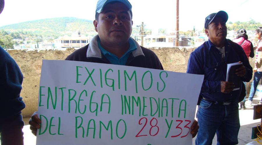 Exigirán 15 años de atrasos de sus recursos en la Mixteca