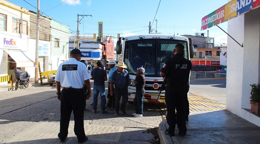 Protesta MAÍZ en terminal de autobuses de Huajuapan de León | El Imparcial de Oaxaca
