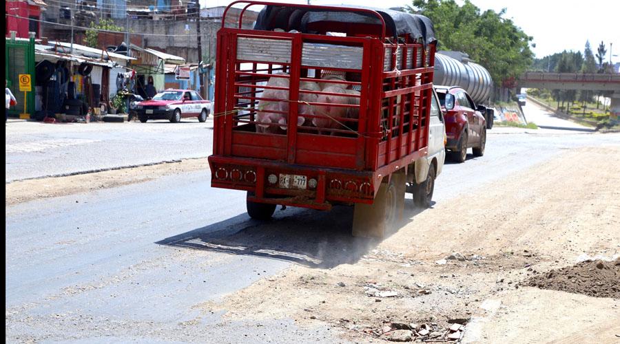 Mal estado de carreteras afecta al transporte de carga
