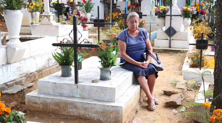 Recuerdan a sus muertos en el Ex Marquesado
