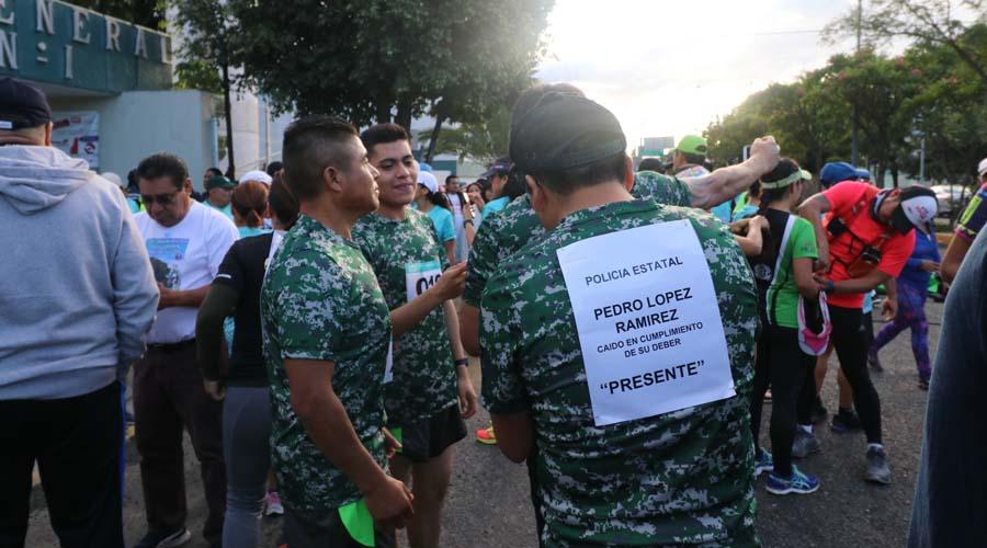 Policías atletas rinden homenaje a compañeros caídos