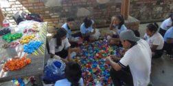 Recolección de tapitas, campaña permanente en la Costa de Oaxaca
