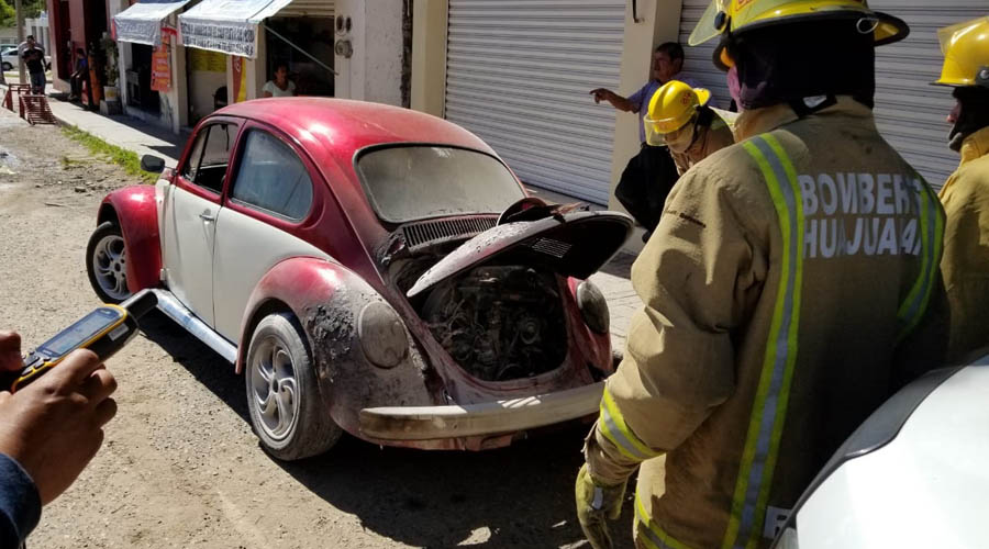Se incendia Vocho en Huajuapan | El Imparcial de Oaxaca