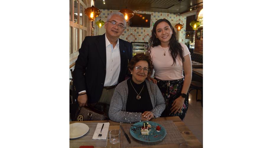 ¡Feliz cumple, Rosalía! | El Imparcial de Oaxaca