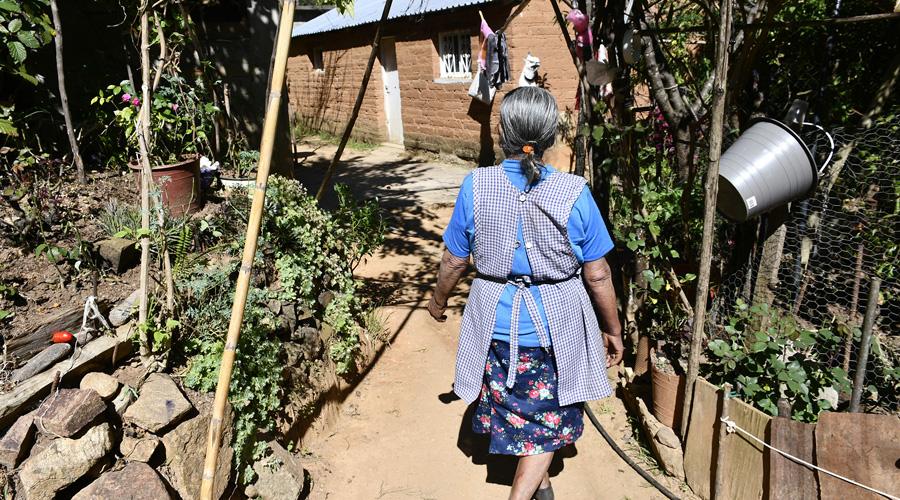Migración única opción ante la pobreza, dejan Santa Inés para sobrevivir