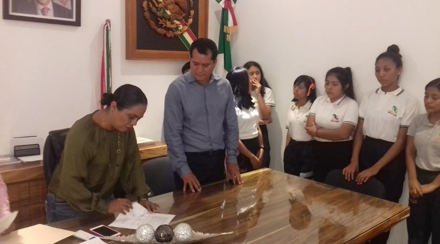 Benefician a alumnos del Cecyte con dos con becas   El Imparcial de Oaxaca