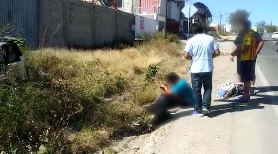 Tras parranda futbolera se estrellan en automóvil
