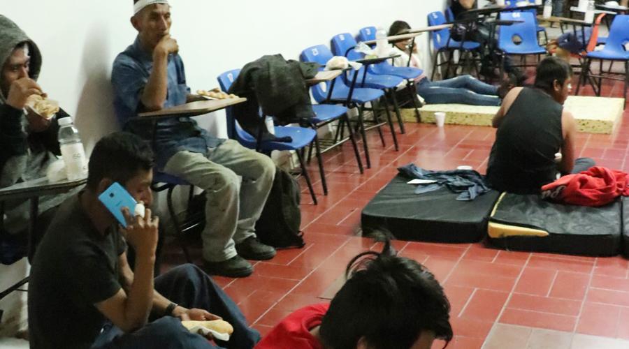 Jornaleros viven en campos de concentración modernos