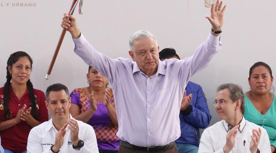 """""""Solo han sido promesas"""", critican a AMLO"""