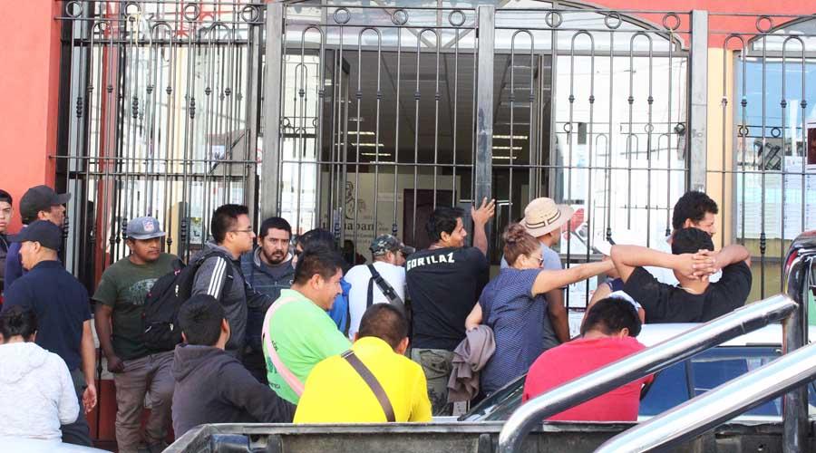 Denuncian descontrol del comercio informal en Huajuapan