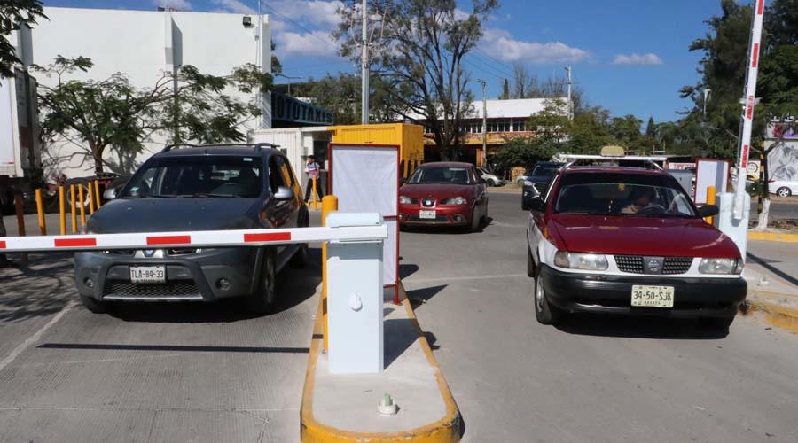 Estacionamientos, tema de plazas comerciales