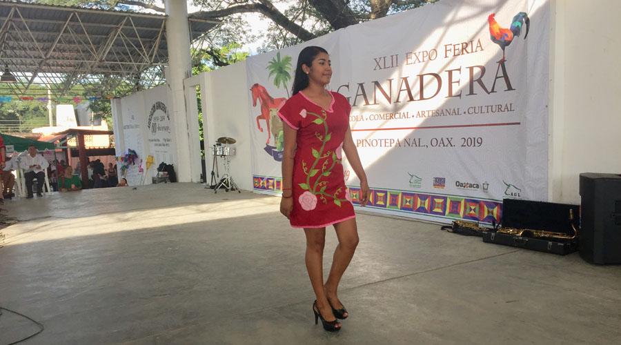 Exhiben trajes regionales en Expo Feria Ganadera | El Imparcial de Oaxaca