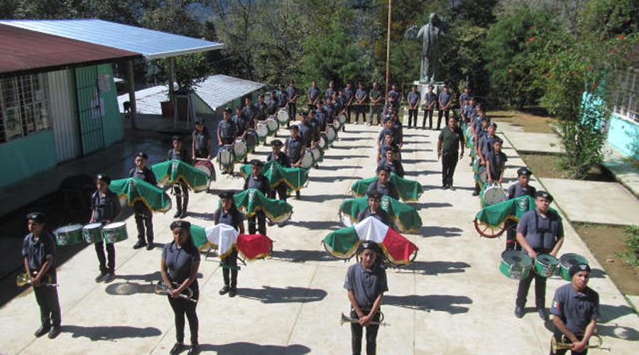 Destaca Banda de Guerra Halcones J.V. de Huautla